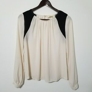 One Clothing cream and black long sleeved blouse